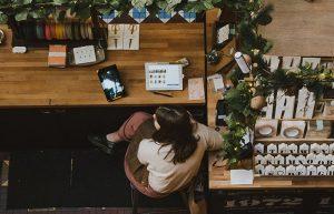 Cinco habilidades para vender más en una tienda – o en un popup